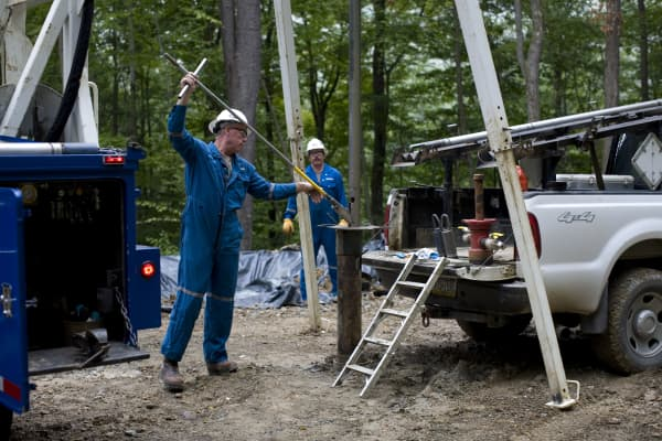 A field specialist for Schlumberger, an oil and gas field service company