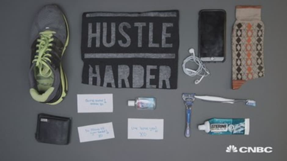 Minimalist serial entrepreneur Gary Vaynerchuk can't travel without this…