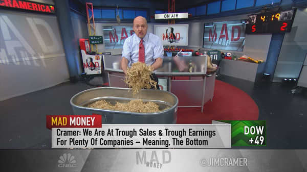 Cramer: Hot money is flooding into...a trough