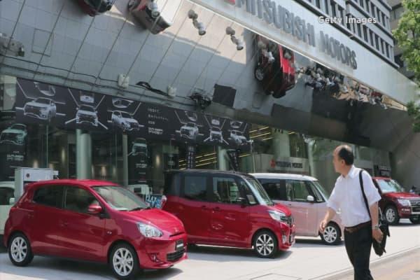 Mitsubishi admits to manipulating fuel-economy tests