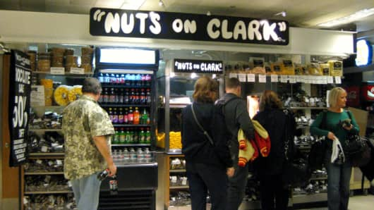 Nut's On Clark store at Chicago O'Hare Airport.