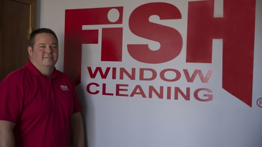 Bob Johnson, owner of Fish Window Cleaning in Lincoln, Nebraska, says 80 percent of his business comes from commercial contracts.