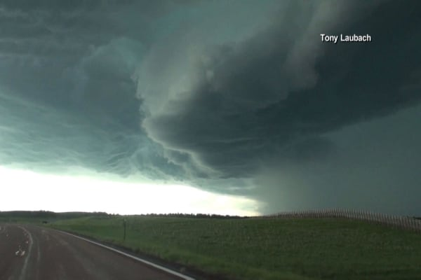Spring storm expands carrying tornadoes, large hail, strong winds