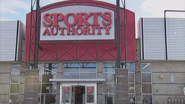 Sports Authority choosing to liquidate