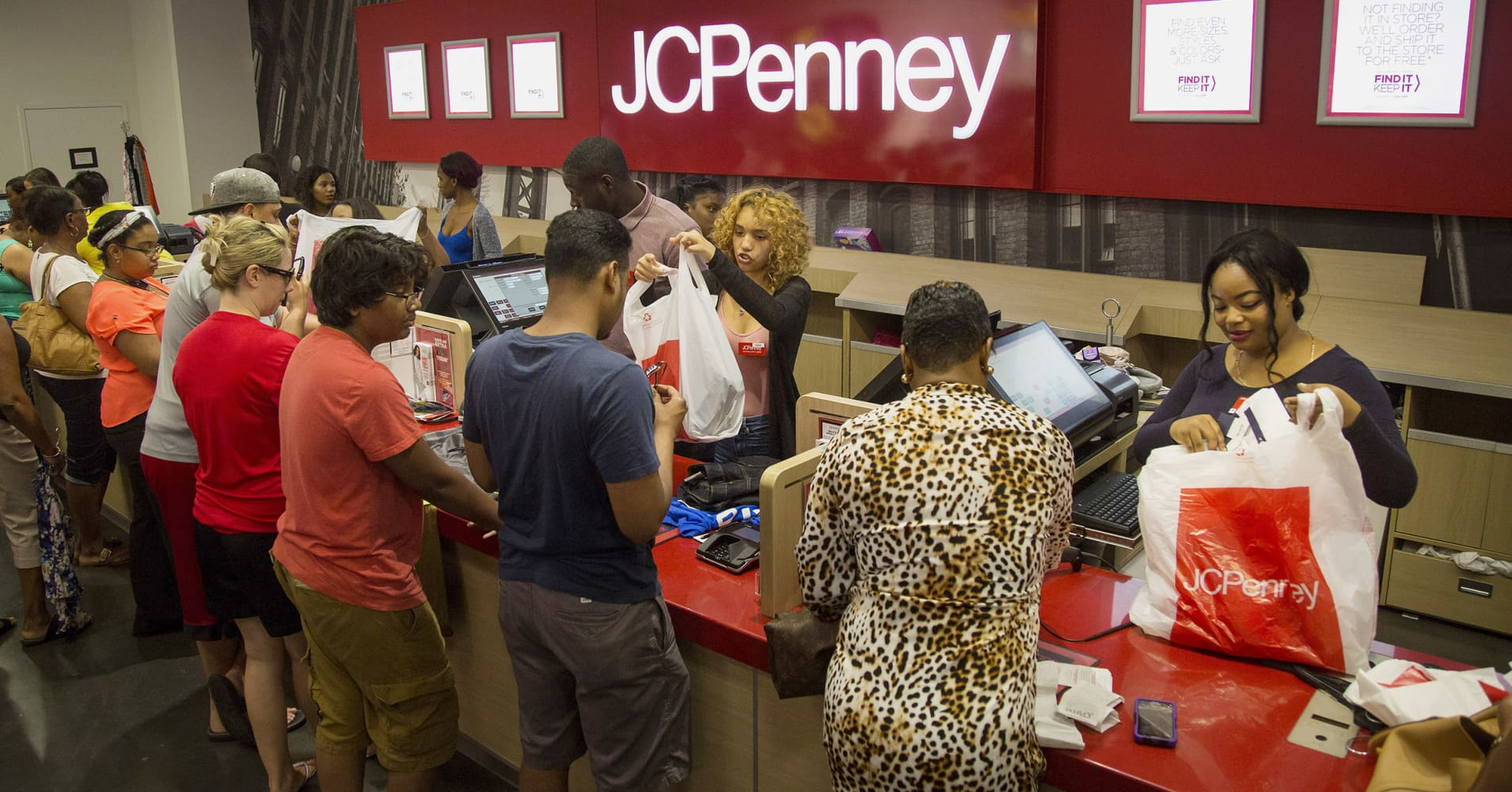 JC Penney postponing store closures and liquidation sales