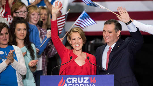 Sen. Ted Cruz greets supporters with former Hewlett-Packard chief executive Carly Fiorina at a campaign rally in the Pavilion at the Pan Am Plaza on April 27, 2016 in Indianapolis, Indiana