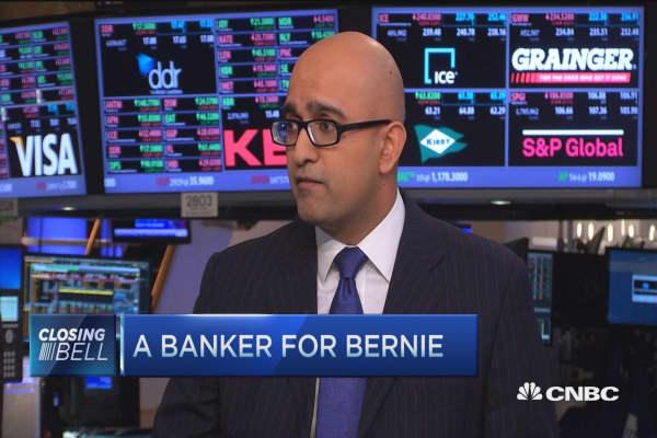 Wall St banker backs Bernie Sanders