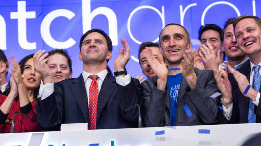 Greg Blatt (L), chairmain of Match Group, and Sam Yagan, CEO of Match Group and co-founder and CEO of OkCupid, celebrate Match Group's initial public offering (IPO) at the NASDAQ stock exchange on November 20, 2015 in New York City.