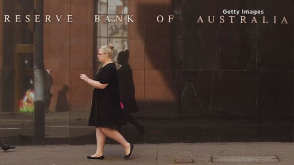 RBA slashes benchmark rate