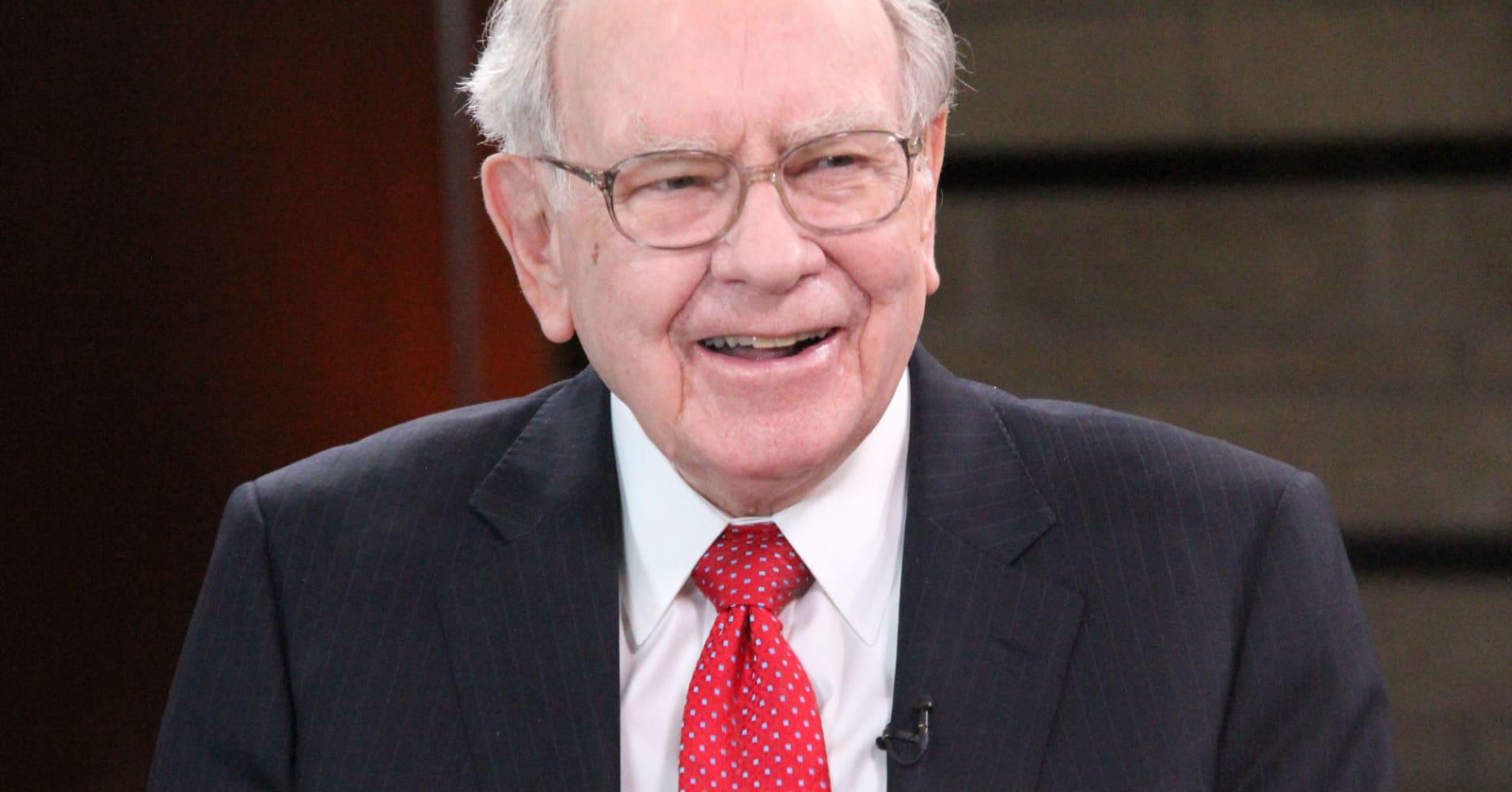 Warren Buffett: I may help bankroll billionaire Dan Gilbert\u0027s bid ...