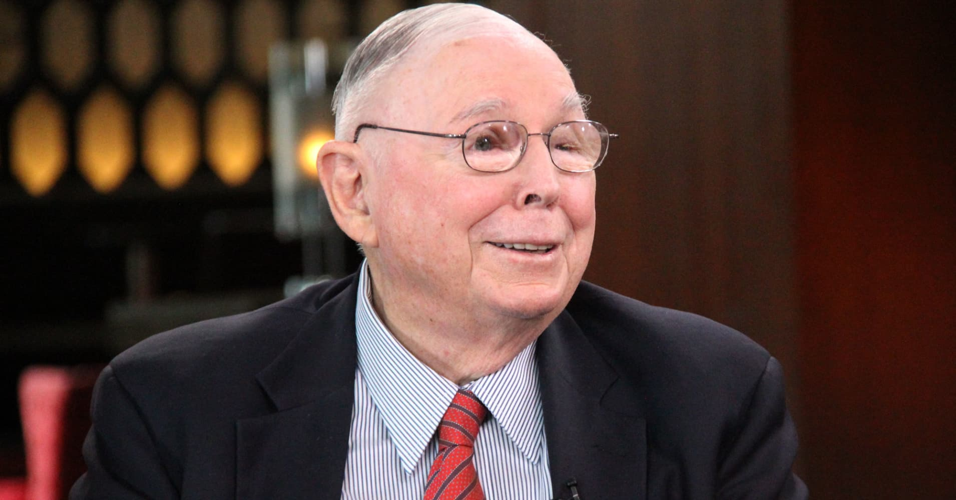 Charlie Munger uses this simple productivity hack — and anyone can do it