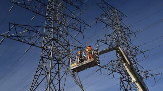 Repairing power lines, electricity, energy
