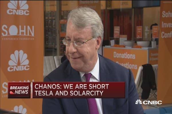 Chanos: I'm shorting Tesla