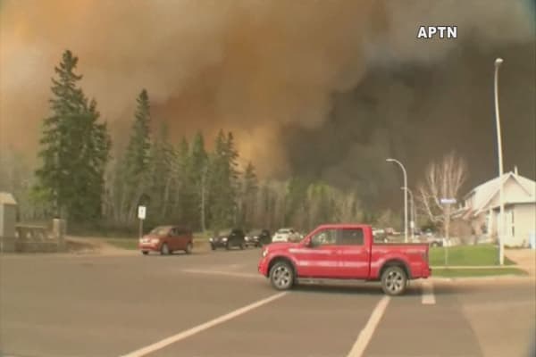 Canada wildfires remain fueled by strong winds