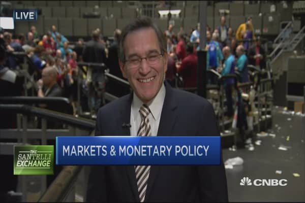 Santelli Exchange: Outrunning 'the bear'