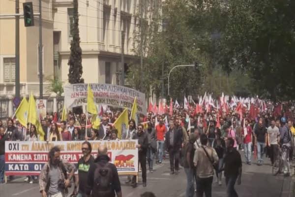 Chaos in Greece over debt crisis