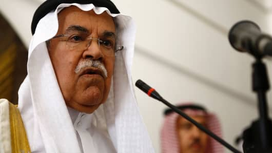 Saudi Oil Minister Ali al-Naimi speaks during a press conference following a meeting with Sudanese Oil Minister in Khartoum on May 4, 2016.