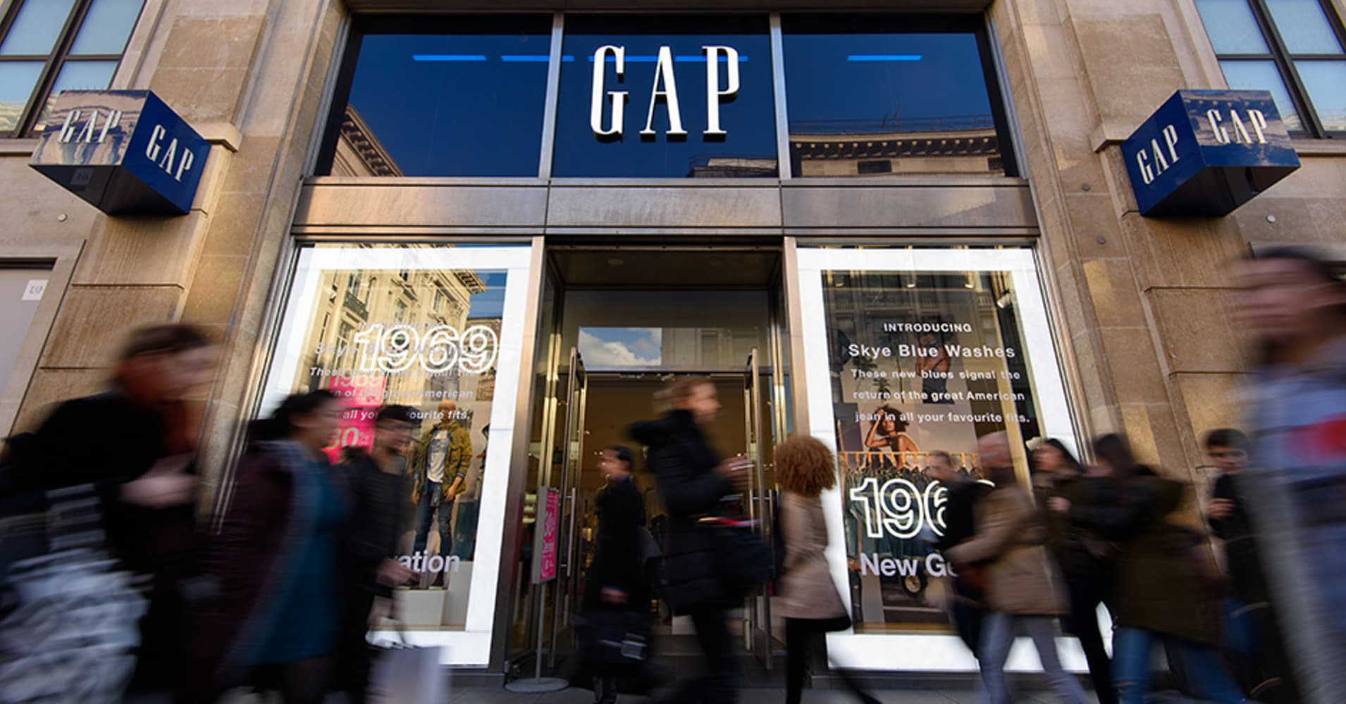 THE GAP CLOSING STORES LIST