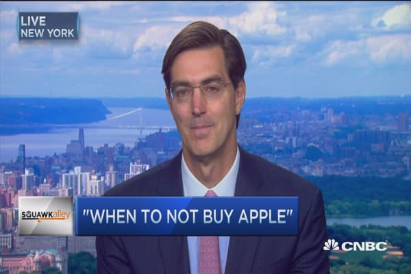 Apple's 'structural & cyclical issues': Analyst