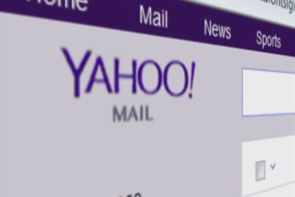 Congress bans YahooMail over security concerns