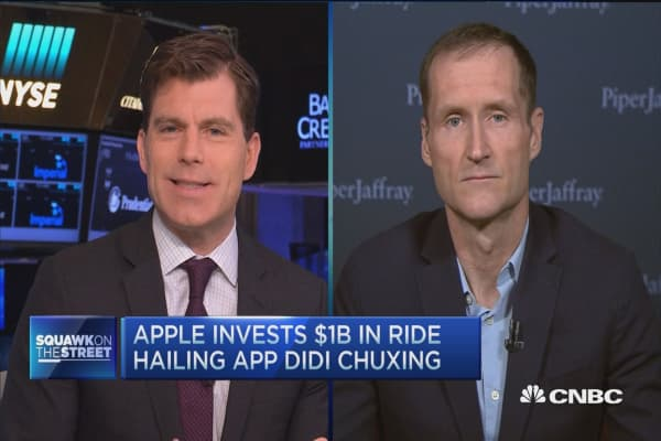 Apple invests $1B in ride hailing app