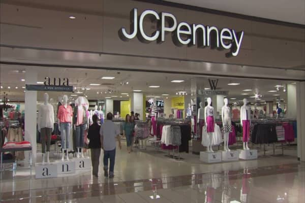 JC Penney shares tumble after mixed results