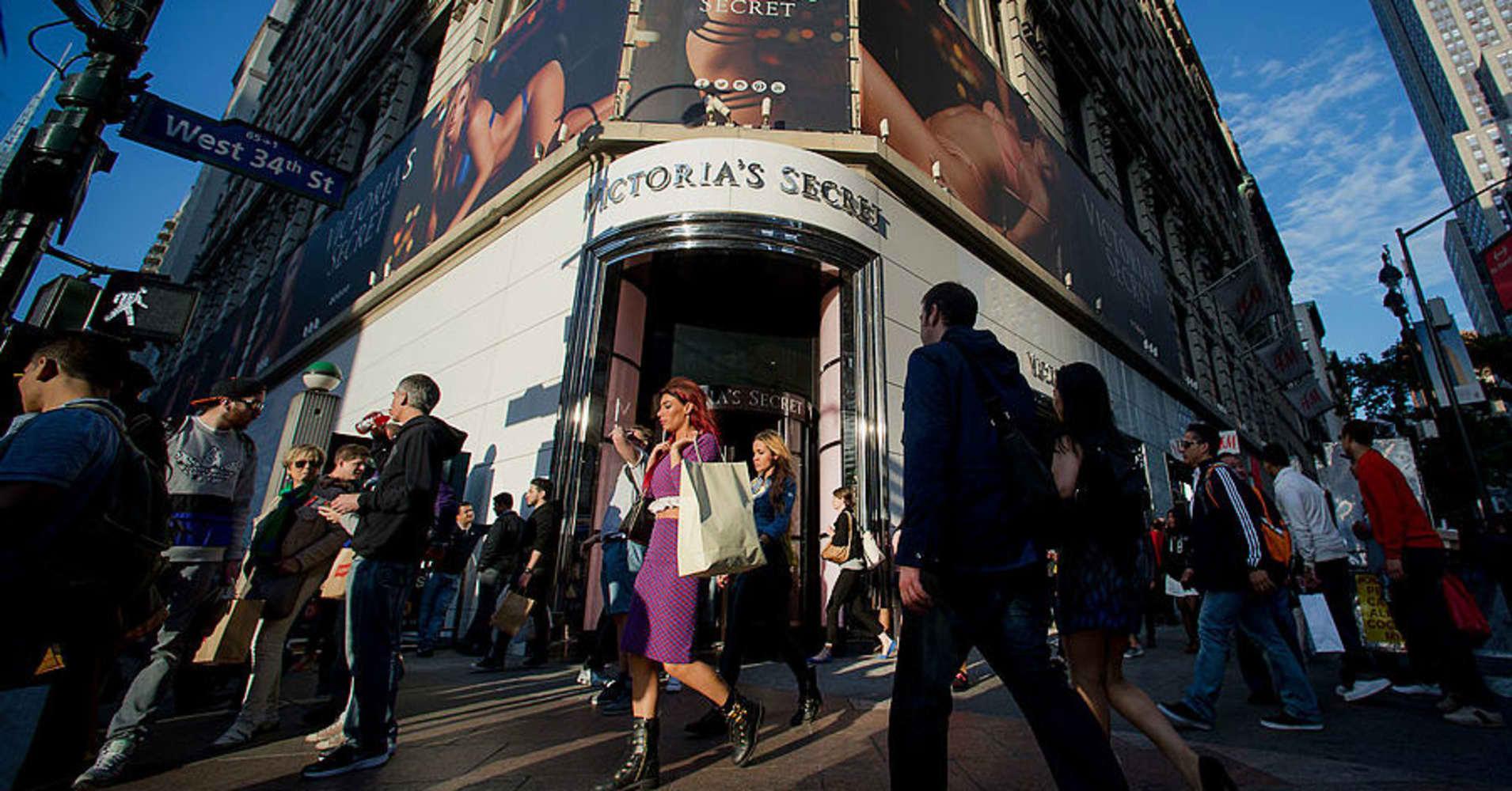 L Brands falls after cutting annual dividend in half
