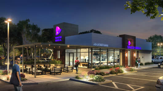 Taco Bell is altering the interiors/exteriors of 4 locations in California in an attempt to get customers to ditch the drive thru and come inside.