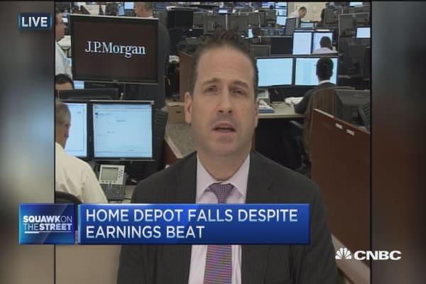 Home Depot falls despite earnings beat