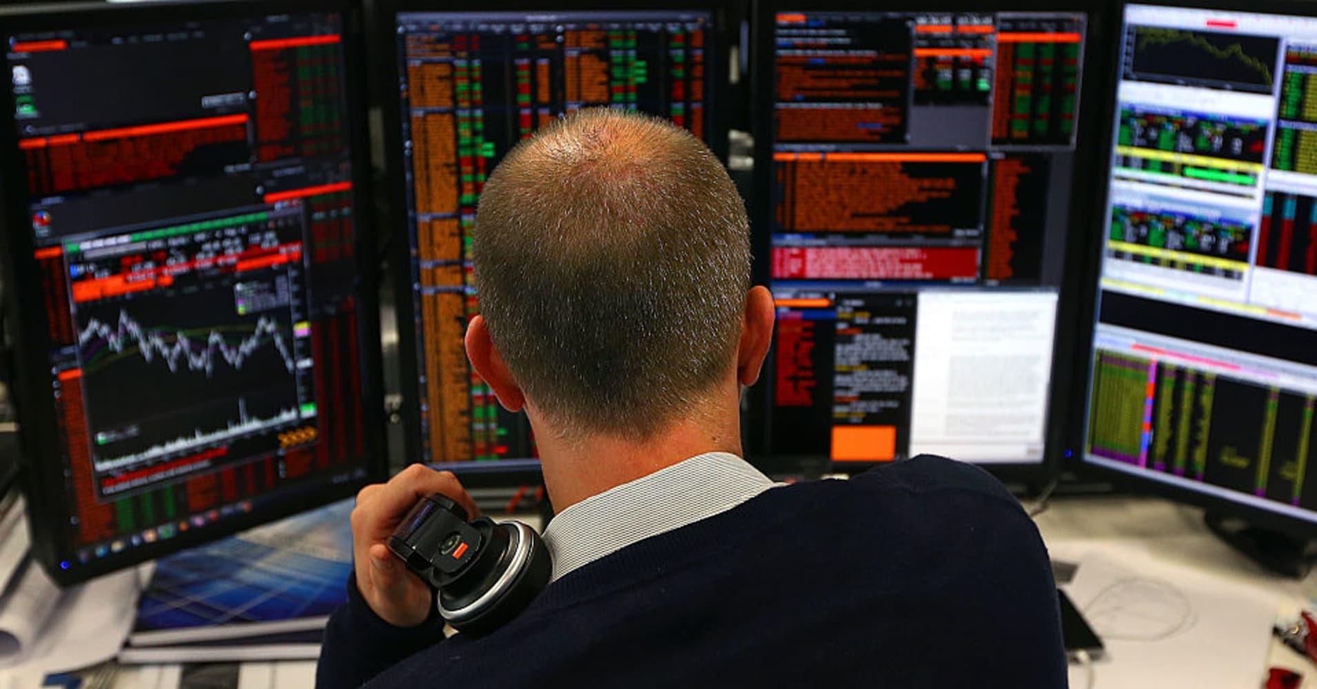European stocks lower on Turkey concerns; banks fall; Novozymes down 5%