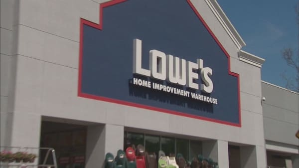 Lowe's latest earnings beat shows improvement