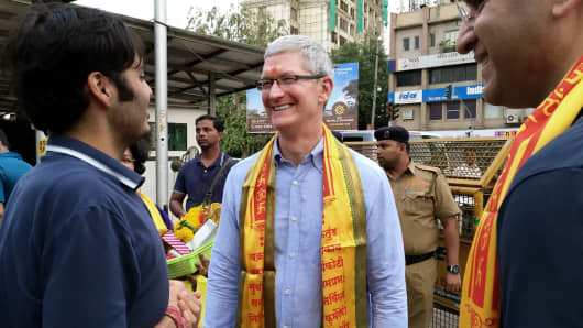 Apple CEO Tim Cook outside a Temple in Mumbai