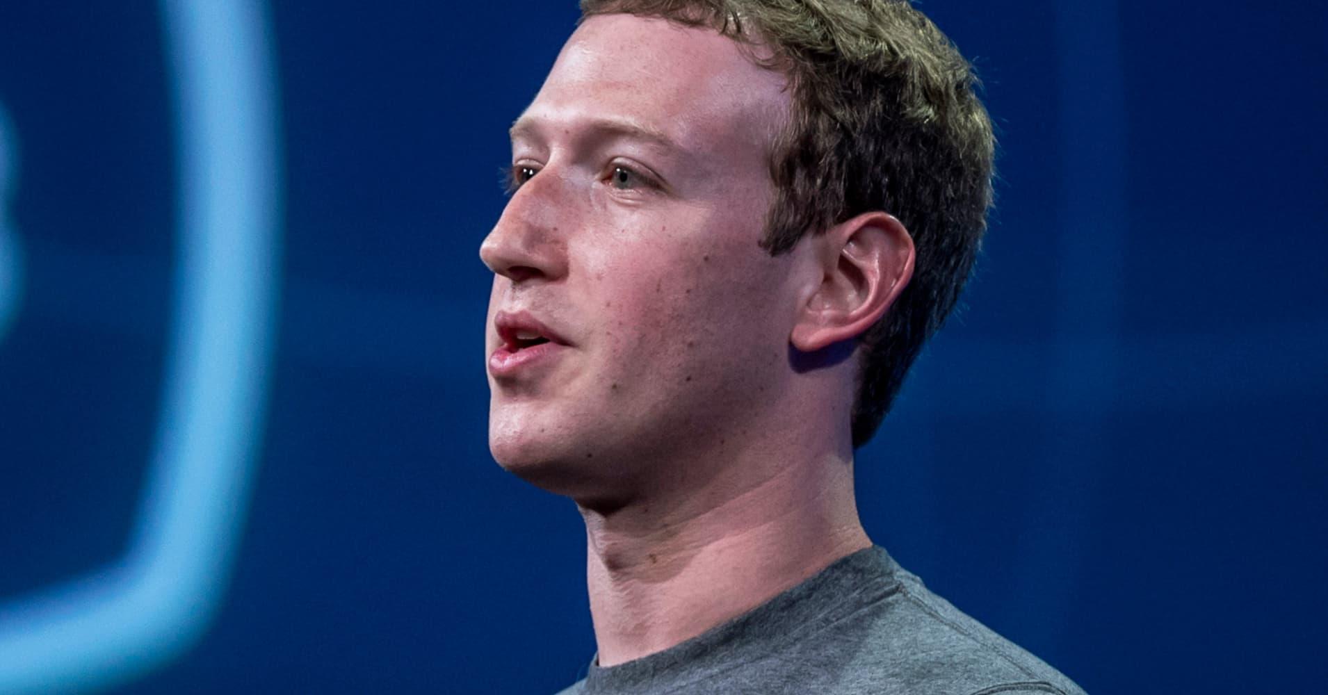 Facebook CEO Mark Zuckerberg 'reconsidering' Hawaii property lawsuits