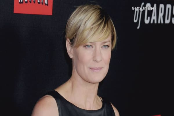 Robin Wright wins equal pay for 'House of Cards'