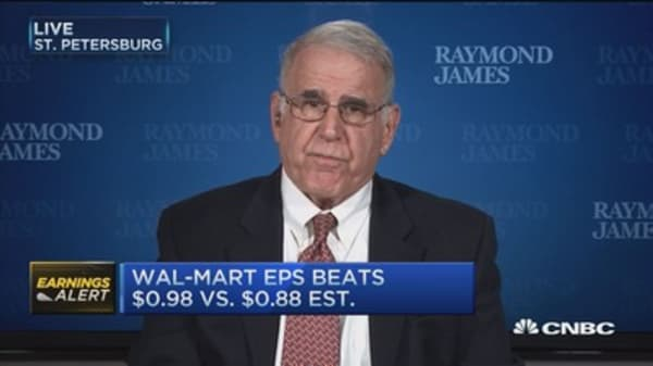 Wal-Mart takes care of consumers: Pro