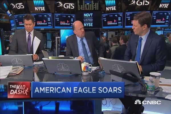 Cramer's Mad Dash: American Eagle soars