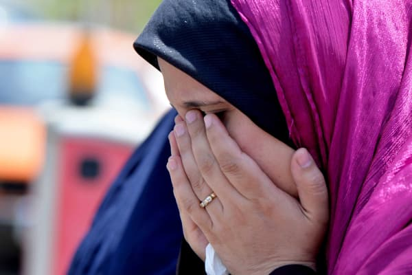 A relative of passenger onboard missing EgyptAir flight MS804 cries at Cairo International Airport as she tries to receive information in Cairo, Egypt on May 19, 2016.