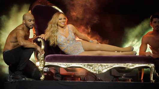 Singer, Mariah Carey performs during the 2016 NBCUniversal Upfronts