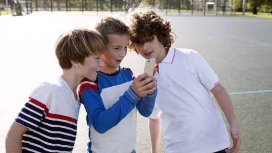 Smartphone use kids