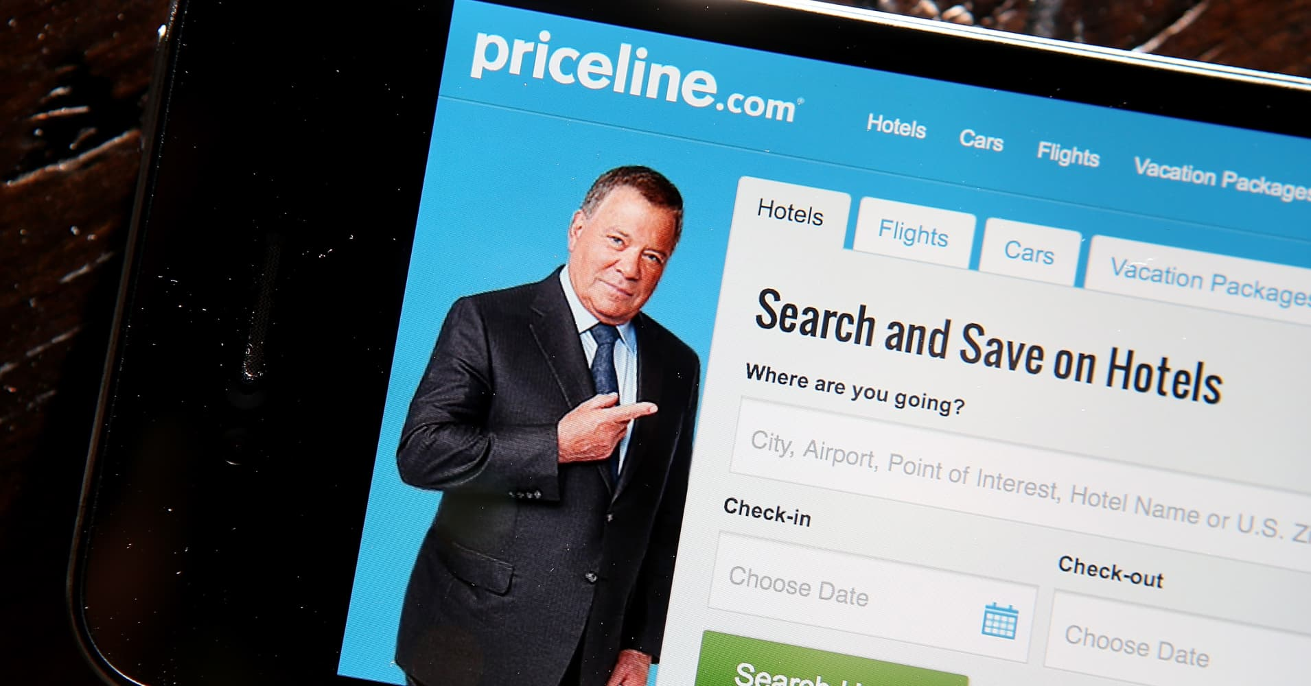 Priceline shares plunge 8 from all time high after quarterly bookings fall short