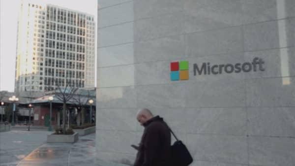 Microsoft slashing 1,850 smartphone jobs