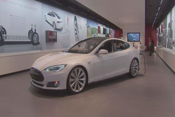 Malls with Tesla store raking in higher sales