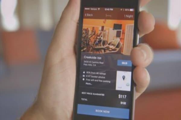 Facebook dropping desktop ad platform to focus on mobile