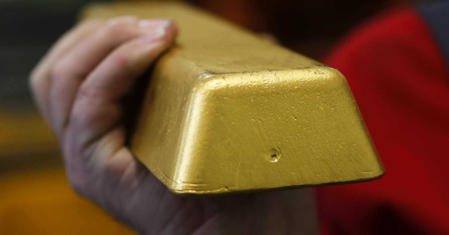 Gold dips to six-week low on firm dollar ahead of US Fed meet