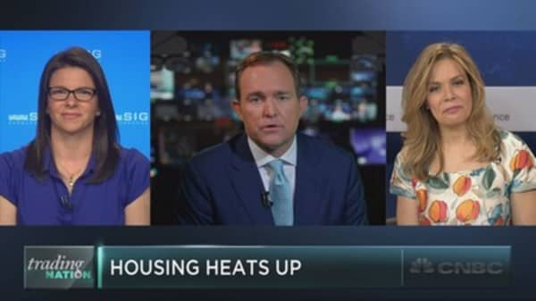 Housing market to spur homebuilding stocks?