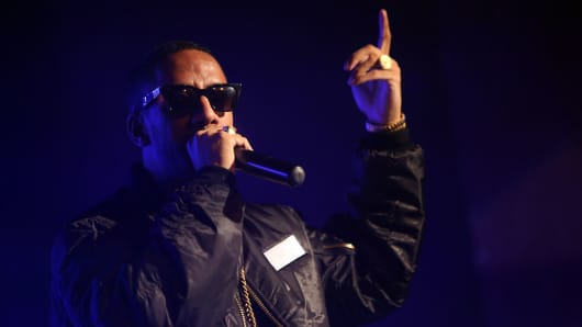 Ryan Leslie performs during a concert at Astra Kulturhaus on October 26, 2014 in Berlin, Germany.