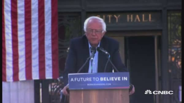 Animal rights activists disrupt Sanders rally