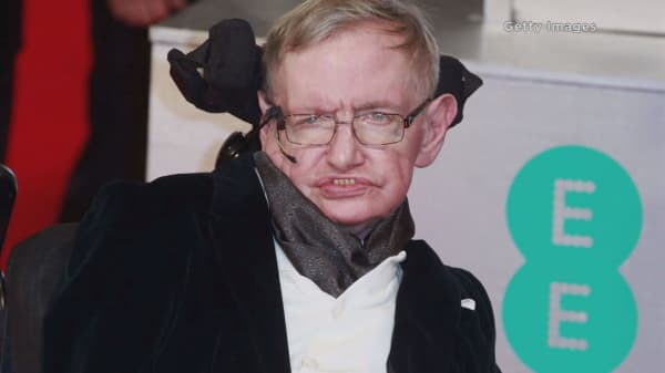 Stephen Hawking can't explain Trump fever