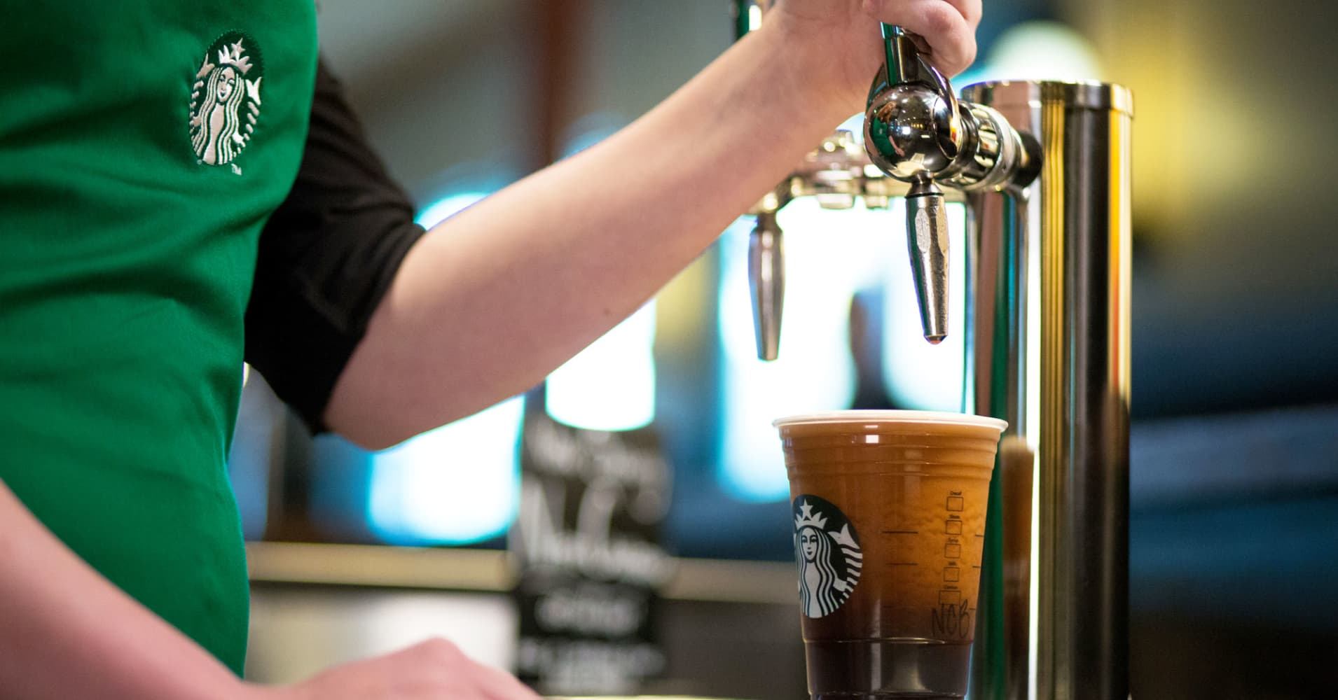 Starbucks to build 10,000 'greener' stores by 2025