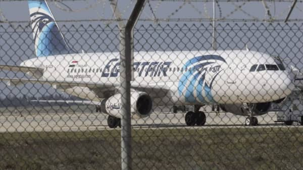 Vessel detects signals likely from EgyptAir flight MS804 black box